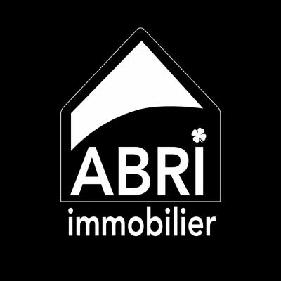 Abri immobilier monochrome white